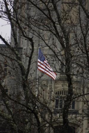 Solo una de las muchas banderas que hay en el campus