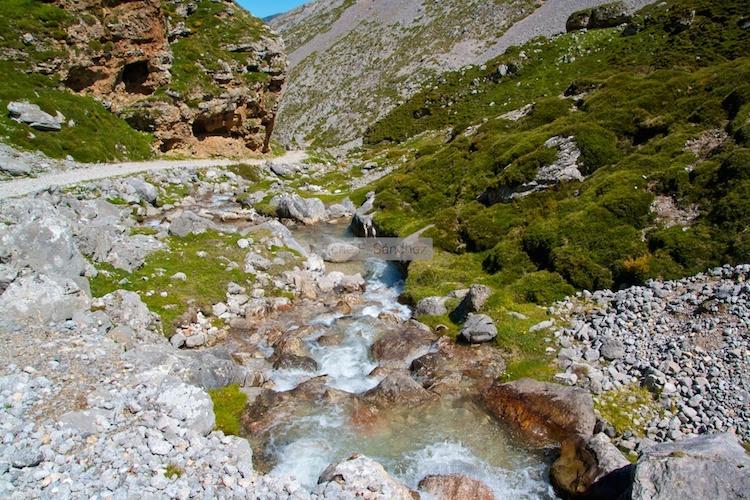 Río en los Picos de Europa